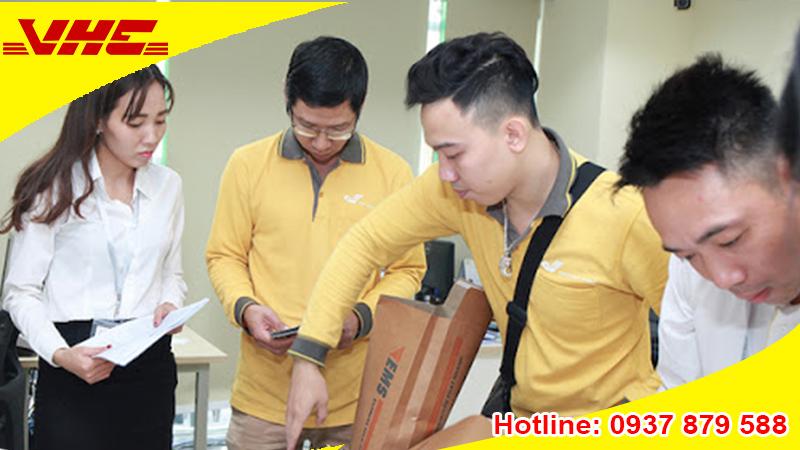 Gửi hàng từ Việt Nam đi Singapore bằng bưu điện và dịch vụ chuyển phát nhanh