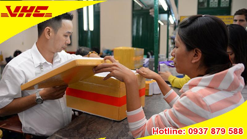 Thủ tục gửi hàng tại dịch vụ chuyển phát nhanh quốc tế đơn giản